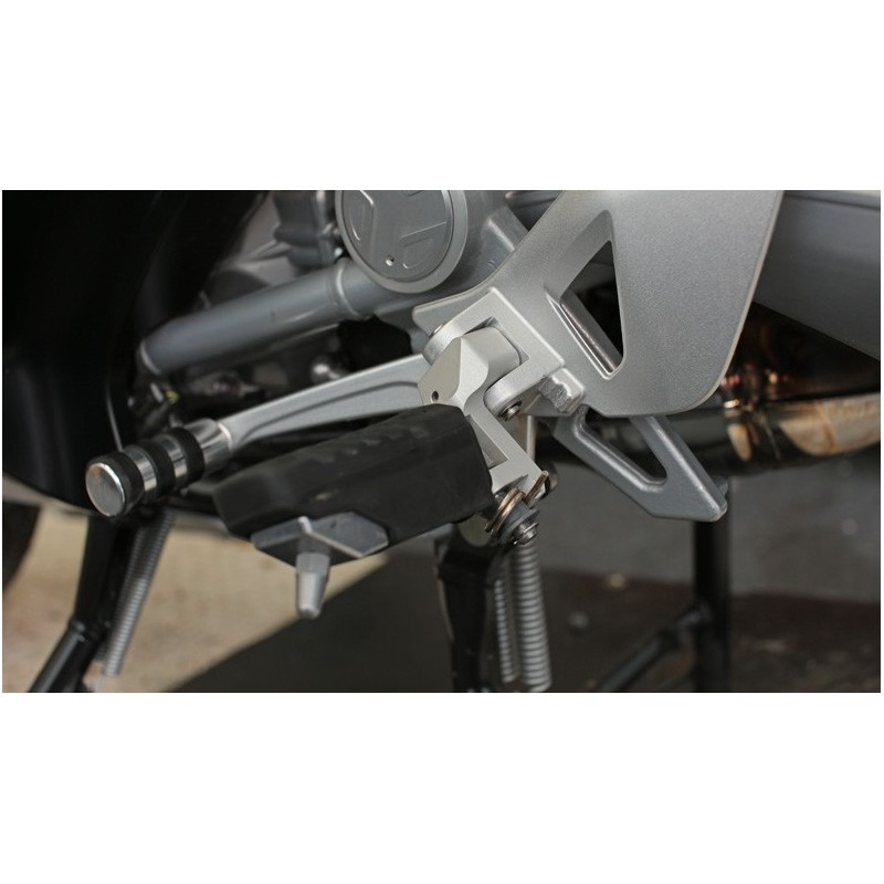 Wunderlich driver footrest lowering kit BMW R1200RT 05-13